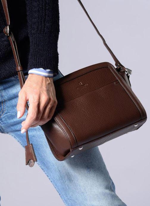 Handtaschen Hexagona 915504 schwarz ansicht von unten / tasche getragen