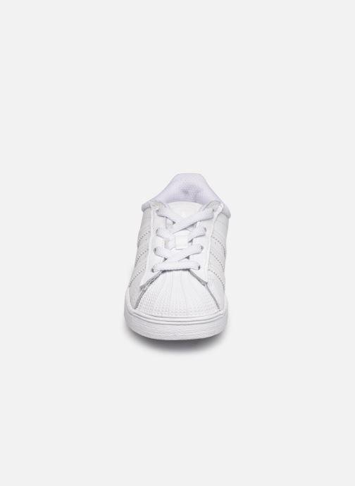 Sneakers adidas originals Superstar EL I Bianco modello indossato