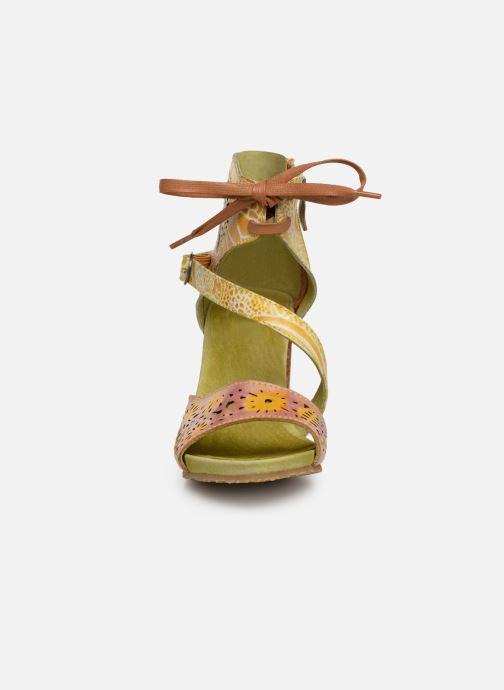 Sandales et nu-pieds Laura Vita Bernie 178 Jaune vue portées chaussures