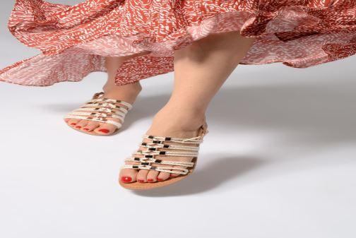 Sandales et nu-pieds Les Tropéziennes par M Belarbi Brigitte Marron vue bas / vue portée sac