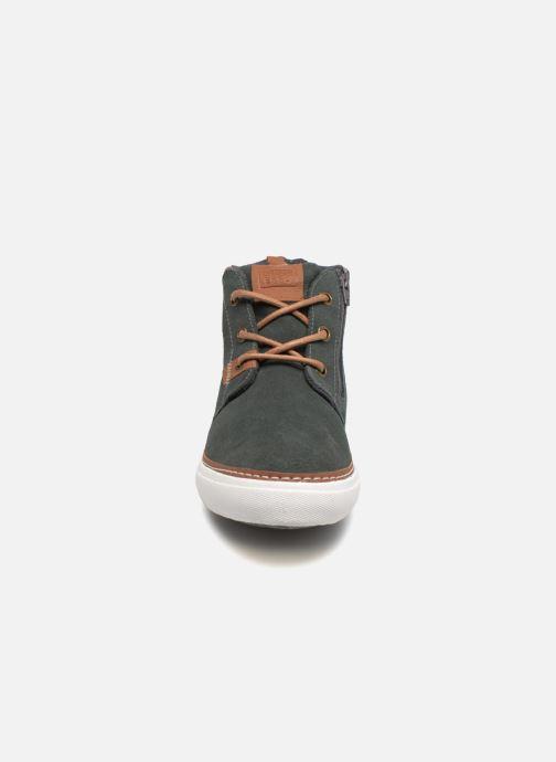 Sneaker Gioseppo Projekt grau schuhe getragen