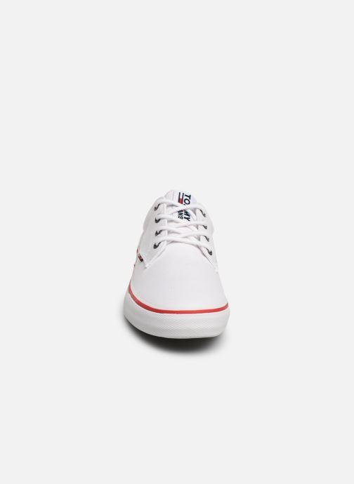 Baskets Tommy Hilfiger Textile sneaker Blanc vue portées chaussures