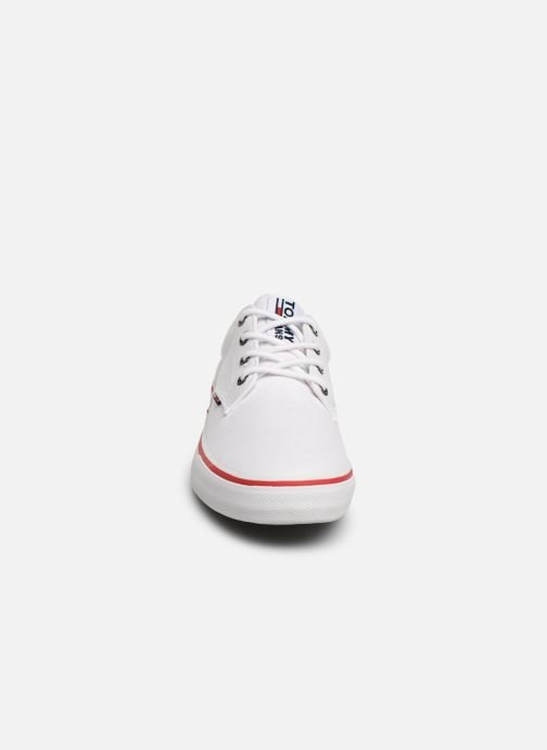 Sneakers Tommy Hilfiger Textile sneaker Bianco modello indossato