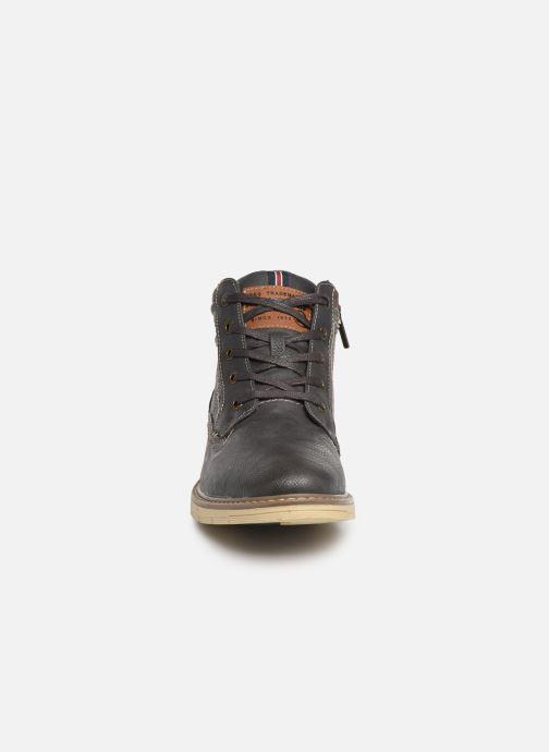 Bottines et boots Mustang shoes Mike Gris vue portées chaussures