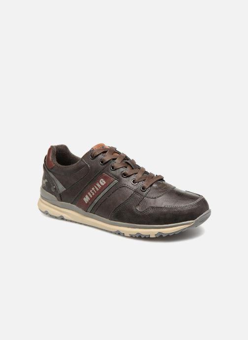 Baskets Mustang shoes Soo Marron vue détail/paire