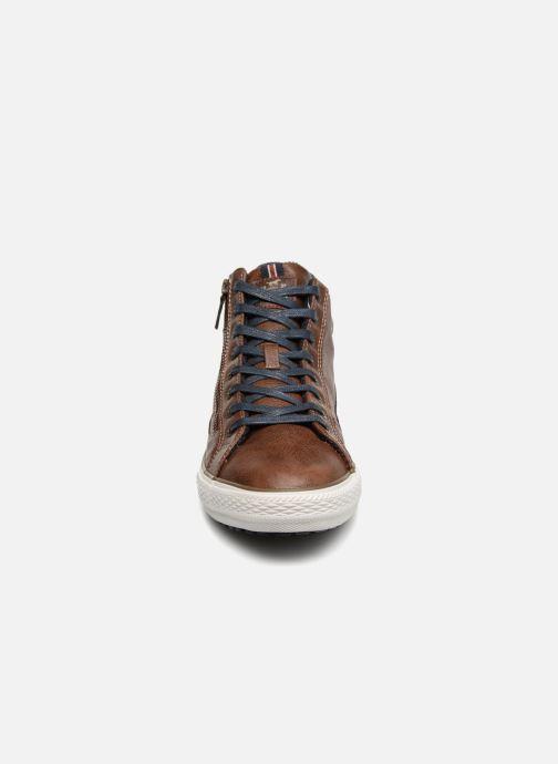 Sneaker Mustang shoes Garett braun schuhe getragen