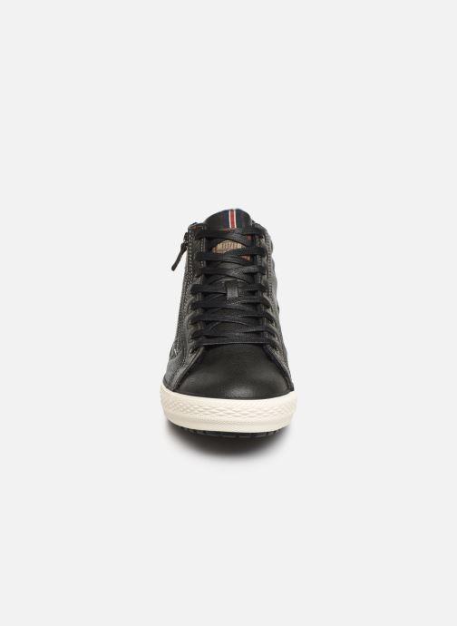 Baskets Mustang shoes Garett Noir vue portées chaussures