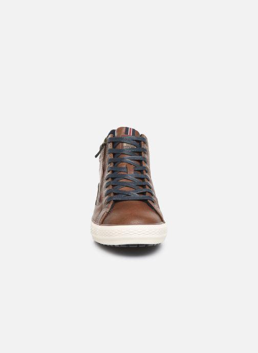 Baskets Mustang shoes Garett Marron vue portées chaussures