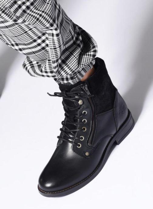 Stiefeletten & Boots Mustang shoes Carmen schwarz ansicht von unten / tasche getragen