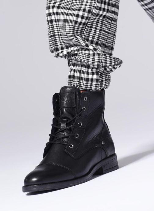 Bottines et boots Mustang shoes Liza Noir vue bas / vue portée sac