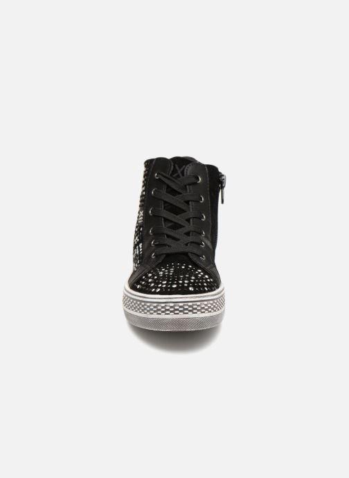 Baskets Xti 55349 Noir vue portées chaussures