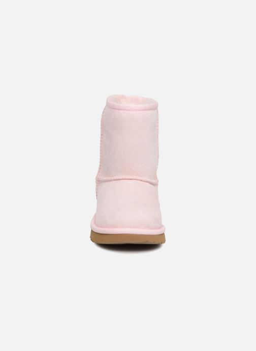 Bottes UGG Classic II T Rose vue portées chaussures