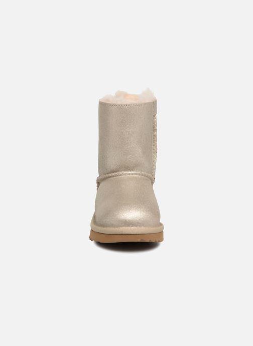Bottes UGG Bailey bow II T Or et bronze vue portées chaussures
