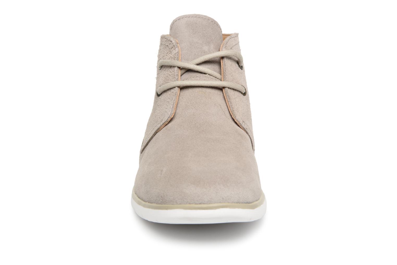 Bottines et boots UGG Freamon flesh out Gris vue portées chaussures