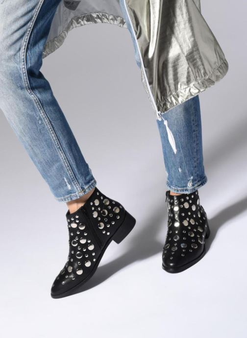 Bottines et boots Vanessa Wu GIELD Noir vue bas / vue portée sac