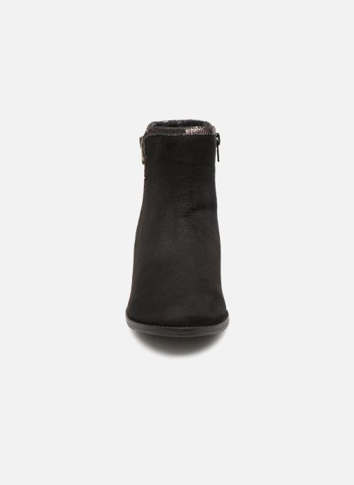 Bottines et boots Vanessa Wu MALPE Noir vue portées chaussures