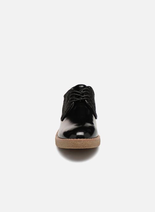 Zapatos con cordones Vanessa Wu NEREN Negro vista del modelo