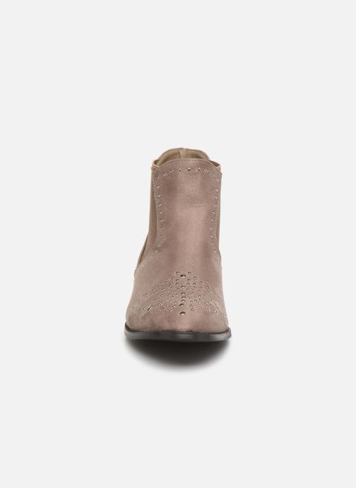 Ankle boots Vanessa Wu BATTY Brown model view