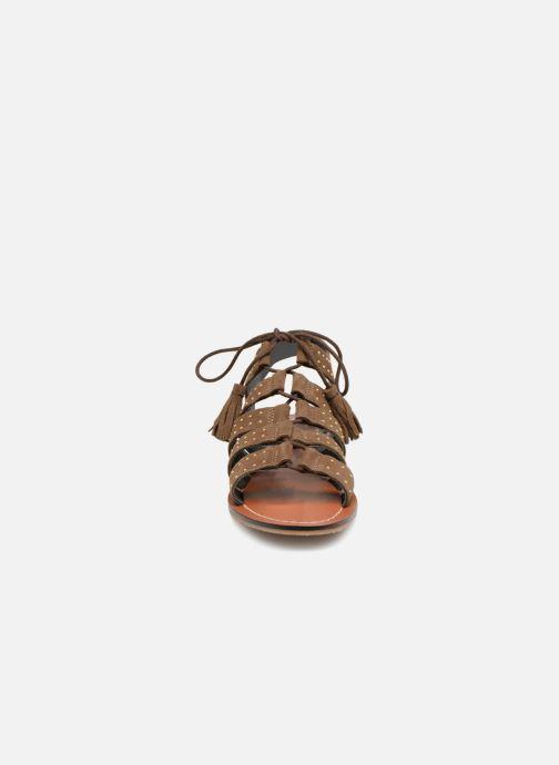 Sandales et nu-pieds Monoprix Femme Sandales à lacets cloutées Vert vue portées chaussures