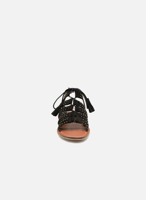 Sandalen Monoprix Femme Sandales à lacets cloutées schwarz schuhe getragen