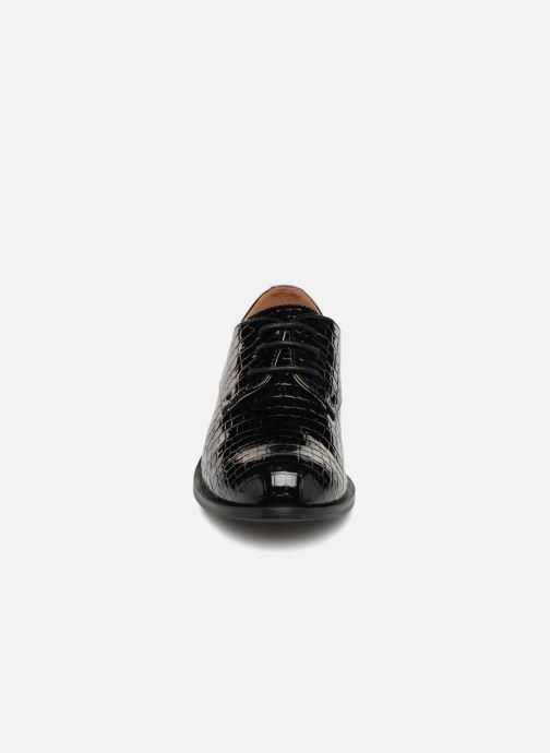 Schnürschuhe Monoprix Femme Derby croco schwarz schuhe getragen