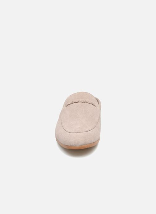 Mules et sabots Monoprix Femme Mocassins ouverts Beige vue portées chaussures