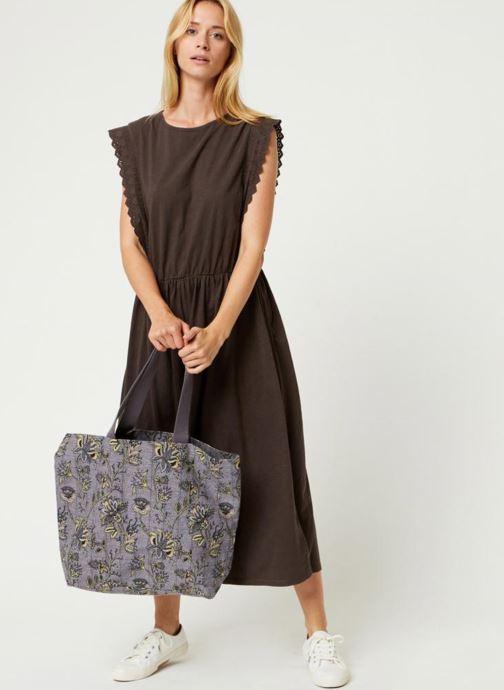 Handtassen Monoprix Femme Tote-bag imprimé fleurs Paars boven