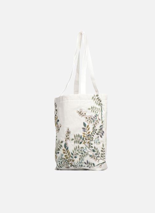 Sacs à main Monoprix Femme Tote-bag brodé fleurs Blanc vue portées chaussures