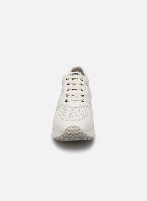 Baskets Geox D Happy A D5262A Blanc vue portées chaussures