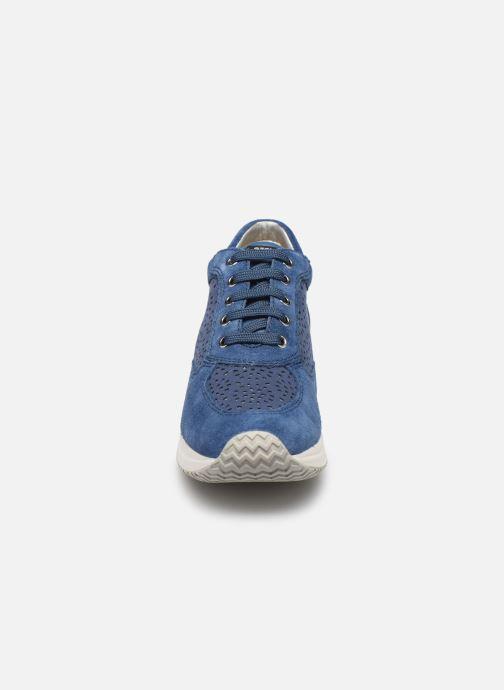 Baskets Geox D Happy A D5262A Bleu vue portées chaussures