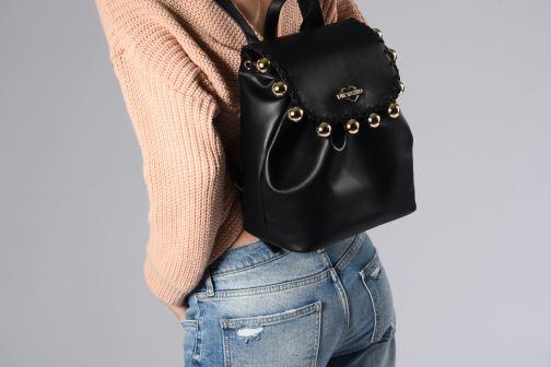 Rucksäcke Love Moschino GOLDEN BALLS BAGPACK schwarz ansicht von unten / tasche getragen