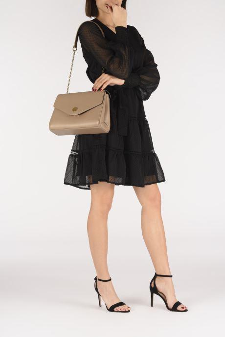 Handtaschen Nat & Nin ALENA beige ansicht von unten / tasche getragen