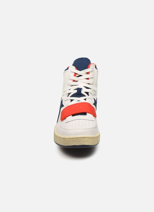 Baskets Diadora Mi Basket Used Blanc vue portées chaussures