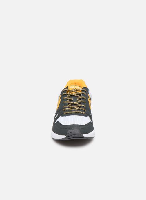 Sneakers Hummel Legend Marathona Grigio modello indossato