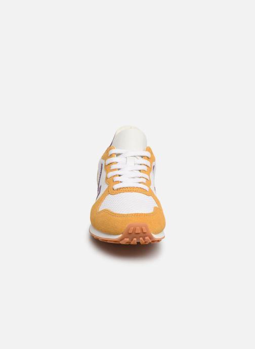 Baskets Veja Holiday Rec Jaune vue portées chaussures