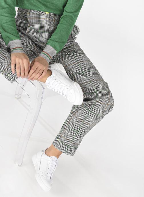 Sneaker adidas originals Continental 80 W weiß ansicht von unten / tasche getragen