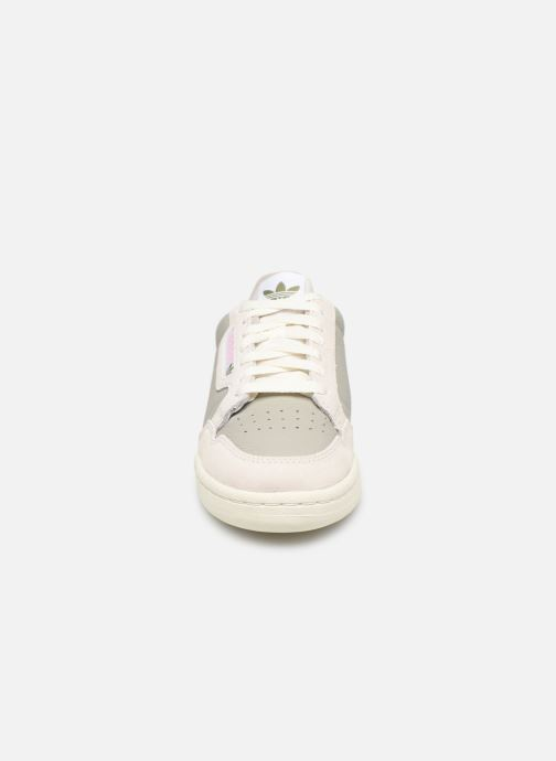 Baskets adidas originals Continental 80 W Gris vue portées chaussures