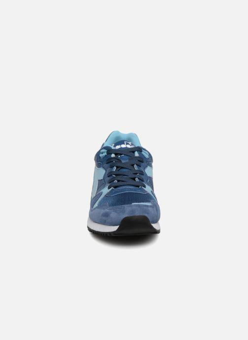 Baskets Diadora V7000 Italia Bleu vue portées chaussures