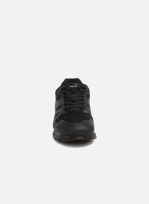Baskets Diadora N9000 MODERNA BF Noir vue portées chaussures