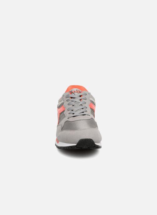 Baskets Diadora Intrepid nyl Gris vue portées chaussures