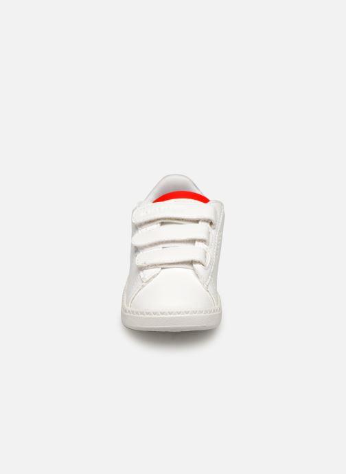 Baskets Le Coq Sportif Courtset INF Blanc vue portées chaussures
