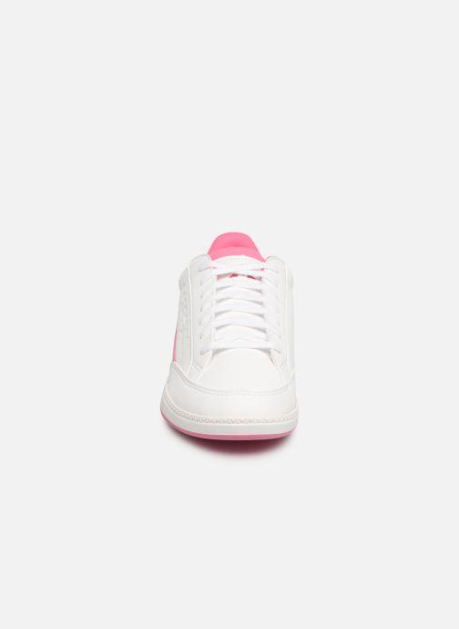 Baskets Le Coq Sportif Courtclay GS Blanc vue portées chaussures