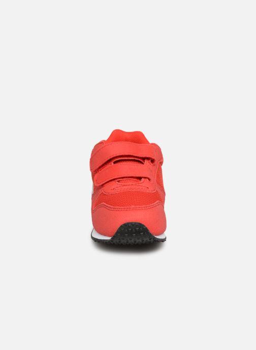 Baskets Le Coq Sportif Alpha II INF Rouge vue portées chaussures