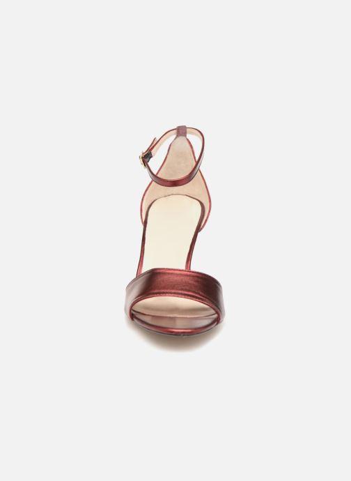 Sandali e scarpe aperte L.K. Bennett Omya Bordò modello indossato