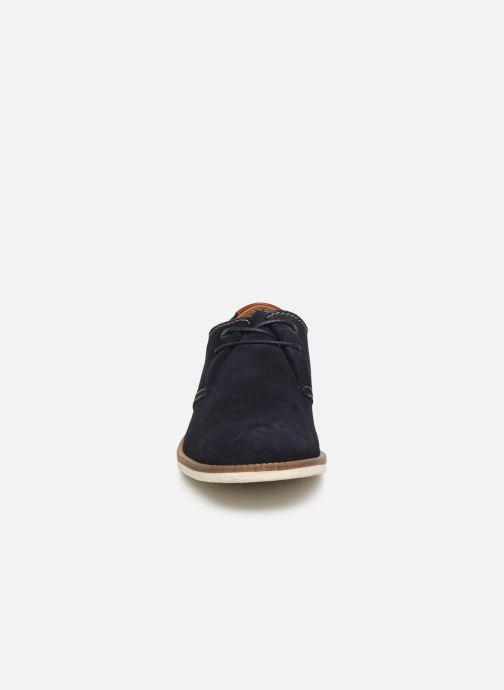 Zapatos con cordones Kickers Backus Gris vista del modelo