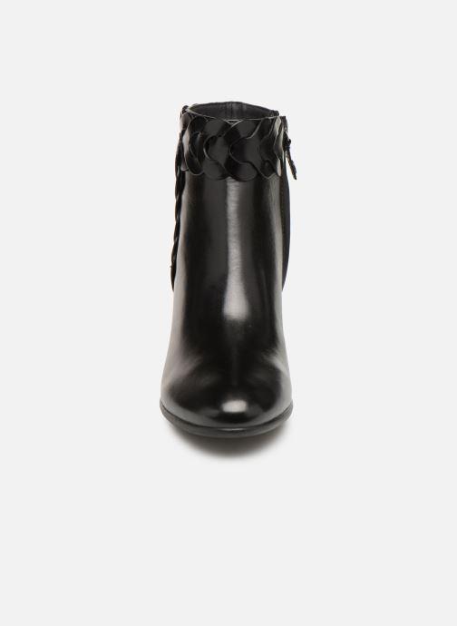 Bottines et boots Geox D NEW LUCINDA A D92AMA Noir vue portées chaussures