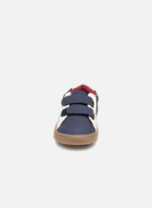 Baskets Bout'Chou Baskets à scratch bébé Bleu vue portées chaussures