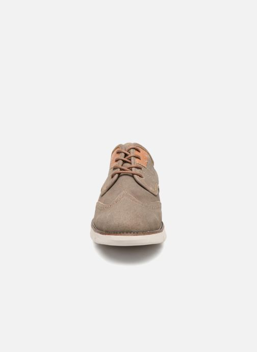 Chaussures à lacets Kickers Kickspot Beige vue portées chaussures