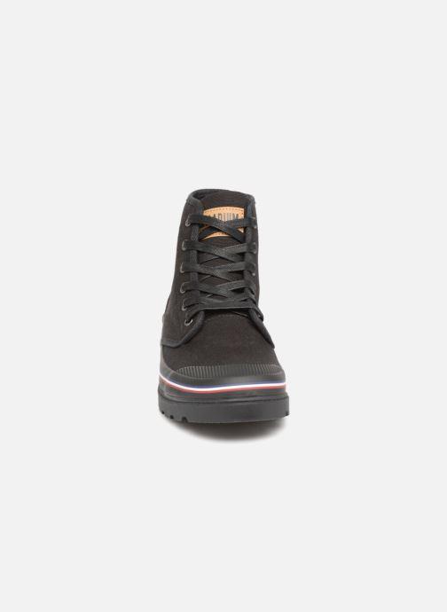 Sneakers Palladium Pampanam M Nero modello indossato