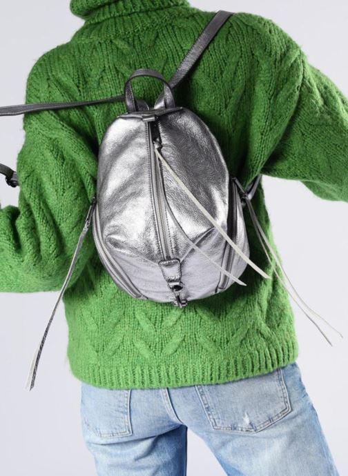 Rucksäcke Rebecca Minkoff Medium Julian Backpack blau ansicht von unten / tasche getragen